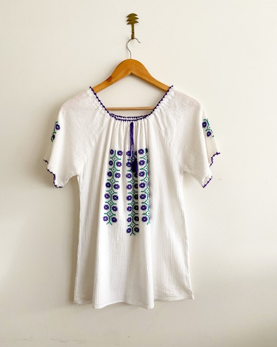 1970s folk embroidered peasant blouse
