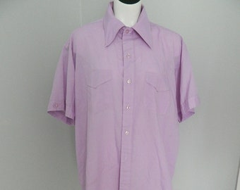 Vintage 1970s Men's Violet Collared Button Down Short Sleeve T Shirt Medium
