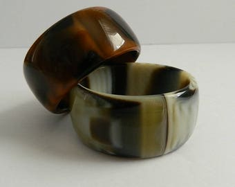 Gorgeous Pair of Italian Wide 1970s Earthtone Marbled  Bracelets Made in Italy
