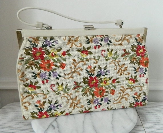 Vintage 1950s Floral Needlepoint Tapestry Hang Bag