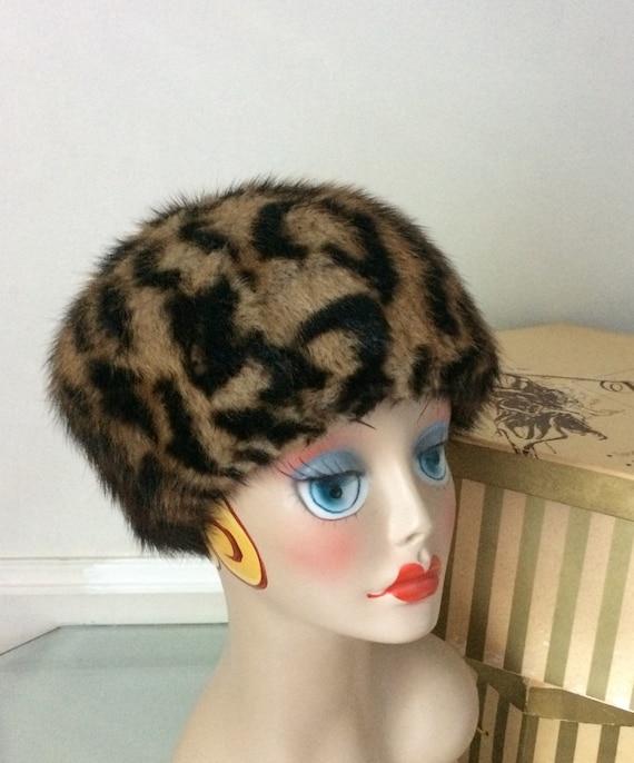 Vintage Boulique Kates Canada Leopard Print Muskra