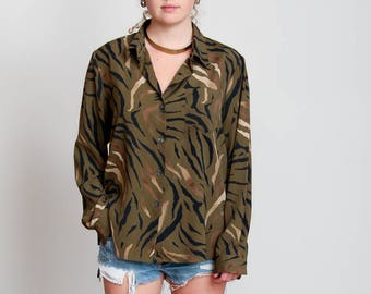1980s Olive Green Animal Print Blouse - Zebra Print - Africa - Button Down - Earth Mama • M/L