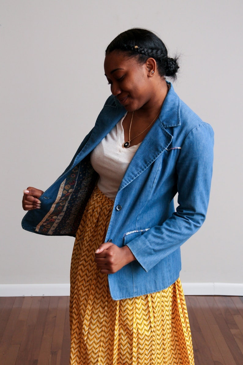 Business Casual Hippie Fitted \u2022 M Boho Stylish Button Front 1970s Denim Blazer with Floral Lining