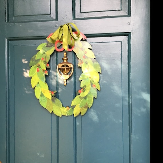 Holly wreath, wood wreath, modern wreath, modern farmhouse, modern Christmas wreaths, front door wreath, front door wreaths, holiday wreath