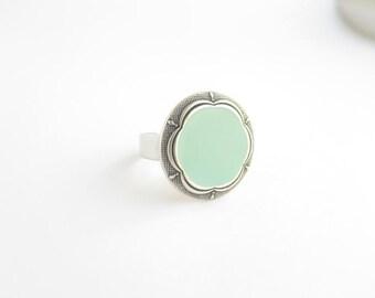 Light blue, floral vintage button ring