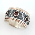Tanzanite spinner ring for L.E.