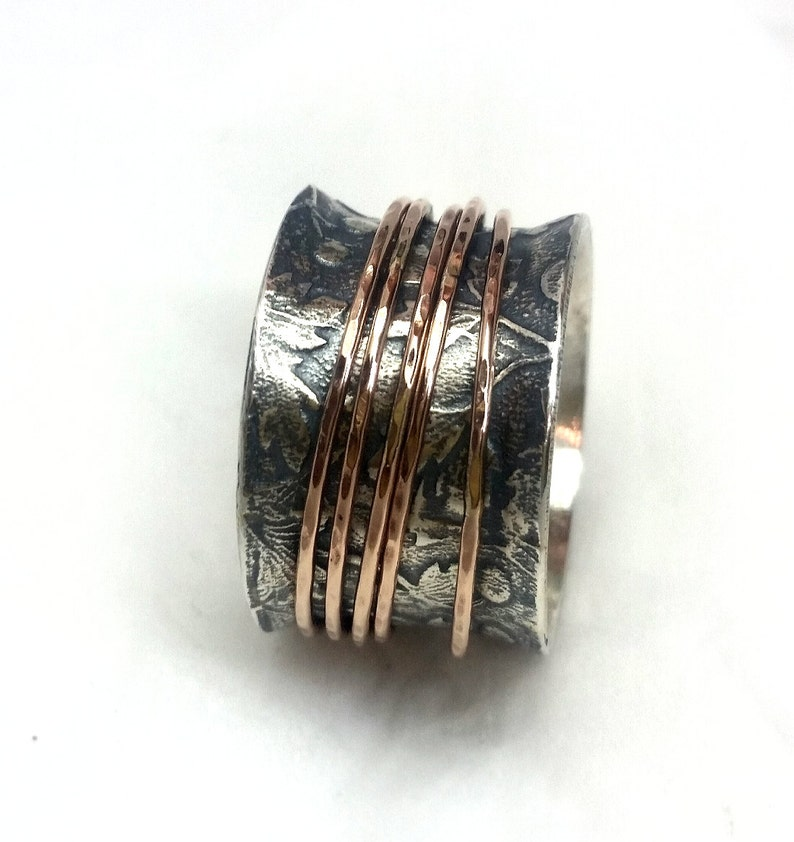 five rose gold hoops Ilan Amir wide ring anxiety ring eye-catching and attractive Lovely leaf pattern spring wedding