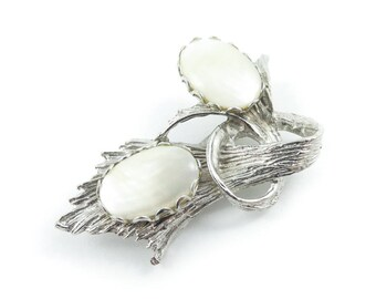 Vintage Mother of Pearl Brooch, Silver Tone, I14