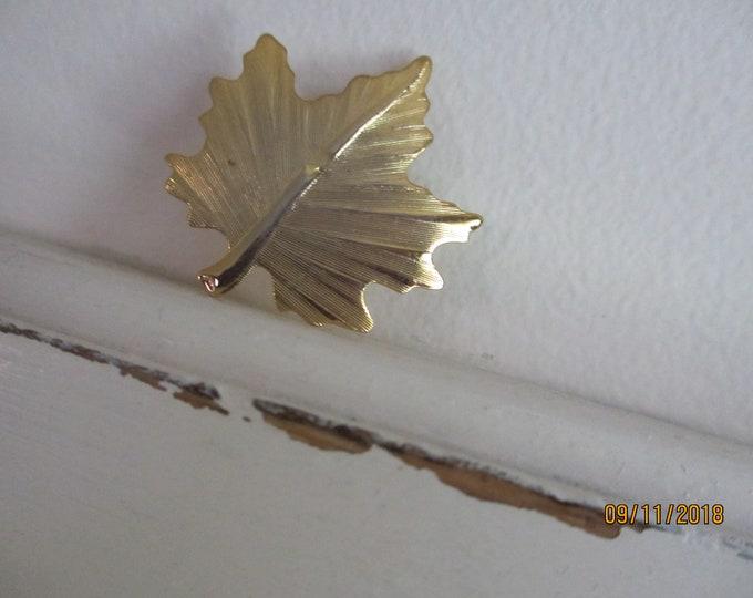 Pretty Fall Leaf Pin Brooch, Vintage Leaf Pin, Vintage Fall Jewelry