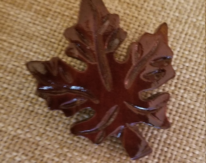 Vintage Acrylic Fall Leaf Pin Brooch, Vintage Leaf Pin, Vintage Fall Jewelry,Something Old Fall Bridal Pin,Maid of Honor Gift,Fall Accessory