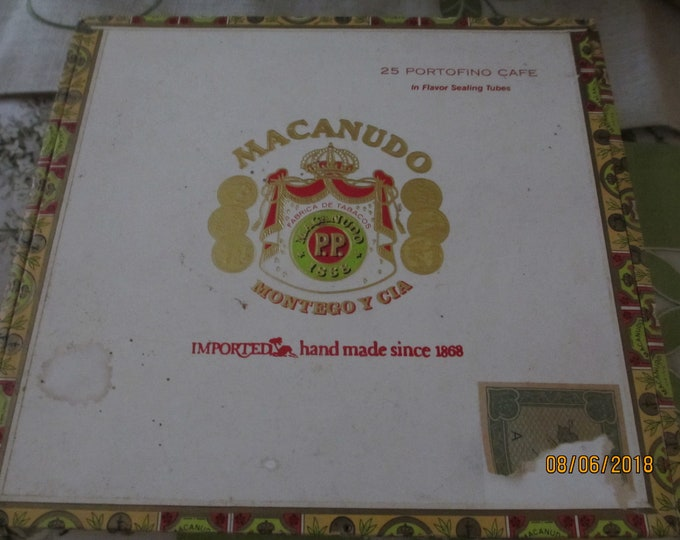 Unique Semi Vintage Macanudo 25 ct Cigar Box, Collectors Macanudo Cigar Box