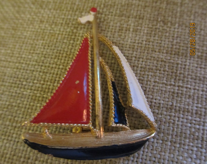 Unique Vintage Sailboat Pin Brooch, Colorful Sailboat Pin Brooch , Summer Jewelry, Vacation Jewelry,