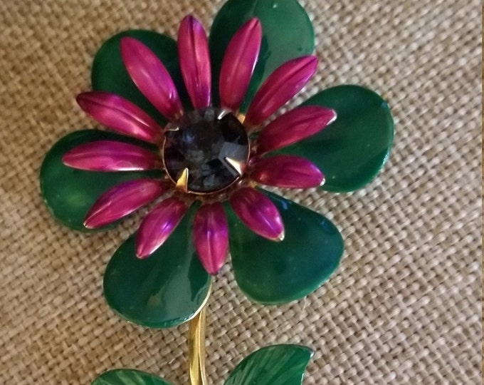 Beautiful  Vintage Hand Painted Flower Pin Brooch, Vintage Flower Pin, Something Old Bridal Gift