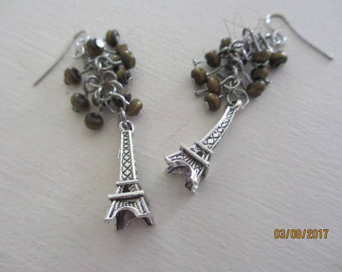 Pretty Beaded Cluster Eiffel Tower Earrings, Paris Jewelry, Beaded Eiffel Tower Charm, Eiffel Tower Earrings,Bridal Gift,Honeymoon Gift