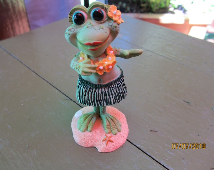 Hawaiian Hula Girl Frog, Hawaiian Spogs Bobble Hula Frog,Hawaiian Hula Frog Gift,