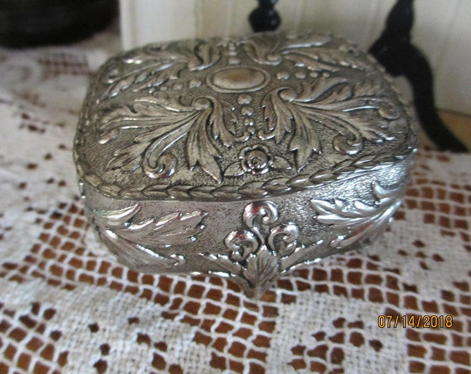 Stunning Vintage Silver Scroll Design Bridal Jewelry Box, Something Old Gift, Maid of Honor Gift, Vintage Jewelry Box