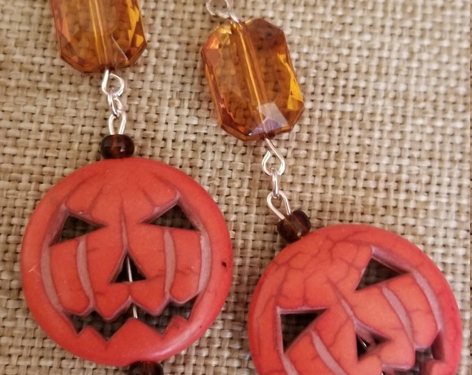 Whimsical Fall Pumpkin Charm Earrings, Halloween Pumpkin Earrings, Fall Pumpkin Earrings, Halloween Earrings