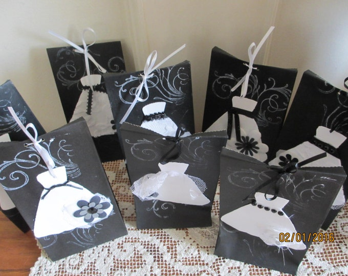 New 8 Assorted Black and White Bridal Shower Favor Bags, Shabby Chic Brown Bag Favors,shower Favors, 3.5x2x6.75 Rustic Wedding Favor Bags