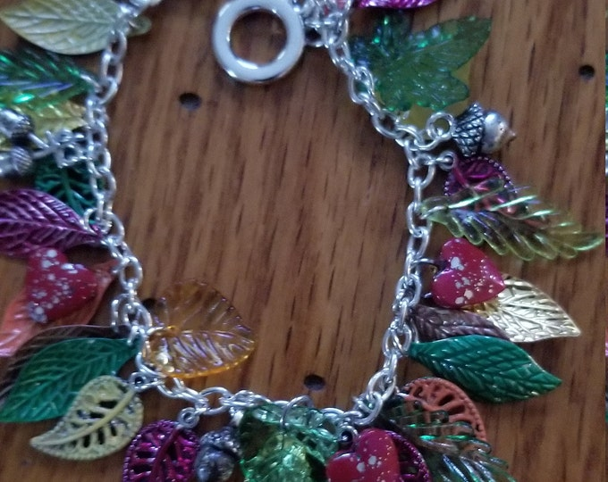 New Fall Sale Colorful Hand Painted Fall Leaf w Acorn Charm Bracelet, Fall Leaf w Acorn Bracelet, Fall Wedding Gift, Fall Jewelry