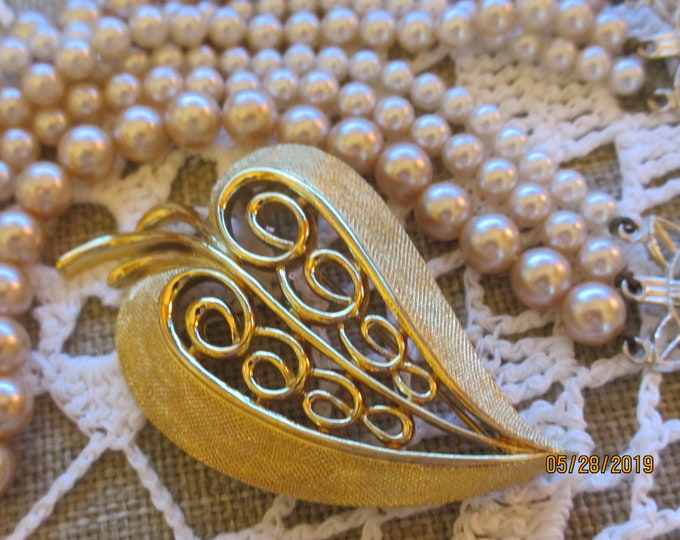Unique Vintage Signed Monet Scroll Heart Pin Brooch, Monet Heart Pin,Something Old Monet Heart Pin,Mom Gift, Scroll Heart Pin,Bridal Jewelry