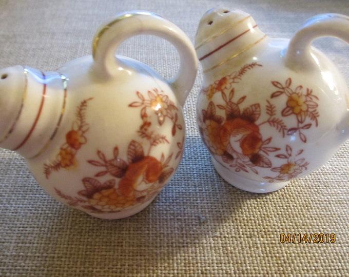 Beautiful Unique Vintage Porcelain Floral Salt Pepper Shakers, Vintage Collectors Salt Pepper Shakers, Vintage Collectors Salt Pepper Shaker