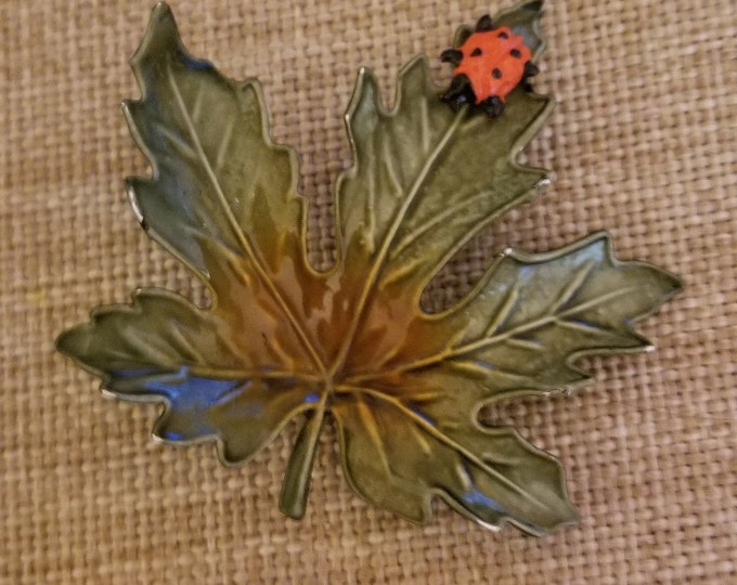 Unique Vintage Colorful Enamel Maple Leaf w Lady Bug Pin Brooch, Vintage Fall Bridal Pin, Fall Jewelry, Vintage Fall Leaf Pin, Leaf  Pin