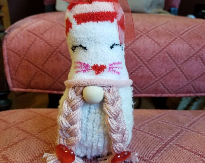 Handmade Super Cute Kitten Hat Gnome, Cat Lovers Gnome, Wedding Gnome, Cat Hat Gnome, Wedding Gnome,Shower gift Gnome,Birthday Gnome