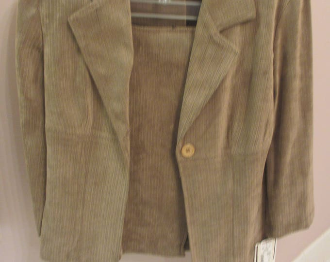 New Women's Consignment, New Women's 3 Piece Blazer Suit, Women's 3 Piece Suede Suit, Olive Suede Suit