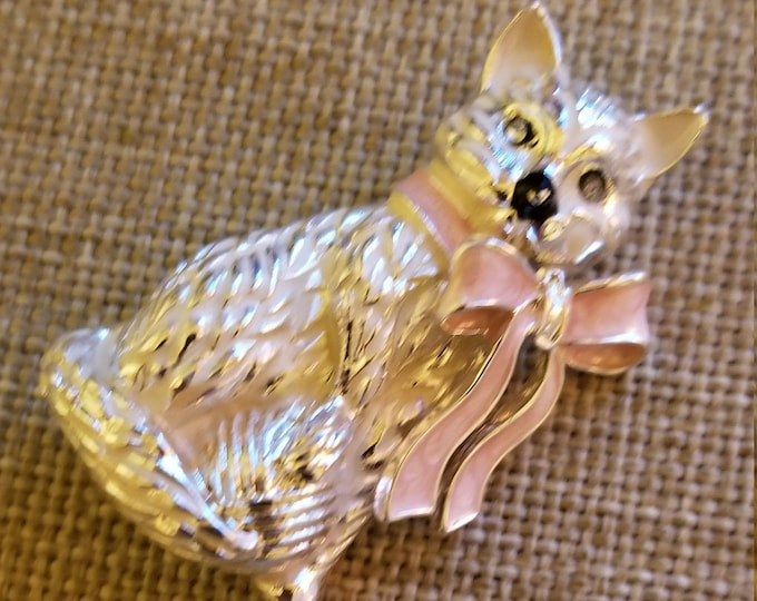 New Gold Tone Enamel Cat Pin, Cat Lovers gift, Cat pin Brooch