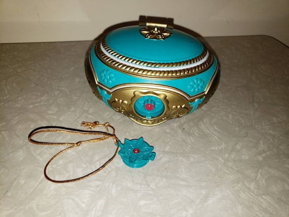 Vintage Galoob Musical Jewelry Box Anastasia 1997