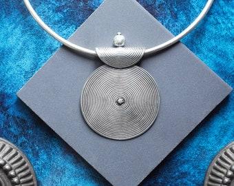 Gong Silver Pendant, Tribal Silver Pendant, Silver Pendant, Ethnic Pendant, Pendentif Argent, SIlver Plated Pendant, White Brass Pendant