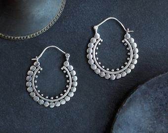 Silver Plated Medium Hoop Earrings, Roman Earrings, Hoop Earrings, Medium Hoops, Boucles Romaines