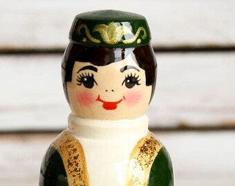 Russian classic matryoshka doll wooden hand painted toy 004184
