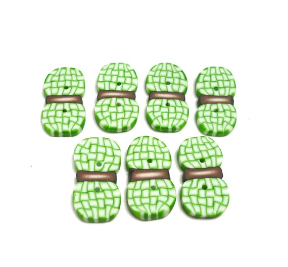 Green Buttons for crochet knitting sewing Girls or Boys 2cm Set of 7 Ball of yarn skein