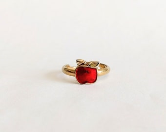 Vintage 70s Avon Candy Apple ring red enamel gold tone 1979 small Teacher jewelry 5