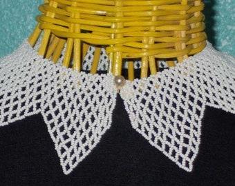 50s60sWhite Seed Bead Netting Vintage Ladies Collar