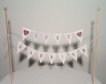 Cake Bunting/Cake Topper/Cake Banner/Flags. Just Married. Glitter Hearts - Wedding.