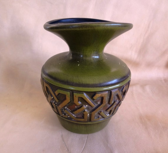 Dating haeger pottery