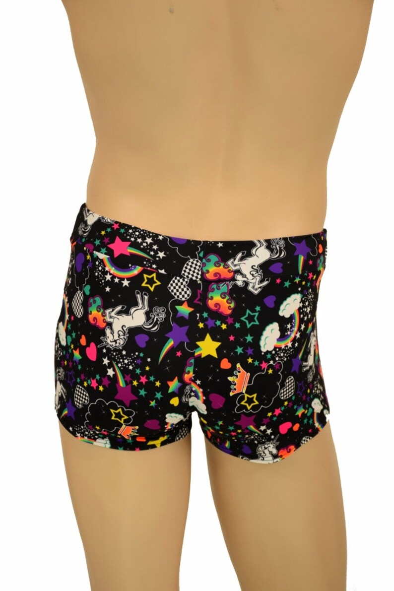 Men/'s Mid Rise Aruba Shorts in UV Glow Unicorns and Rainbows Black Light Reactive Magical 90/'s 156336