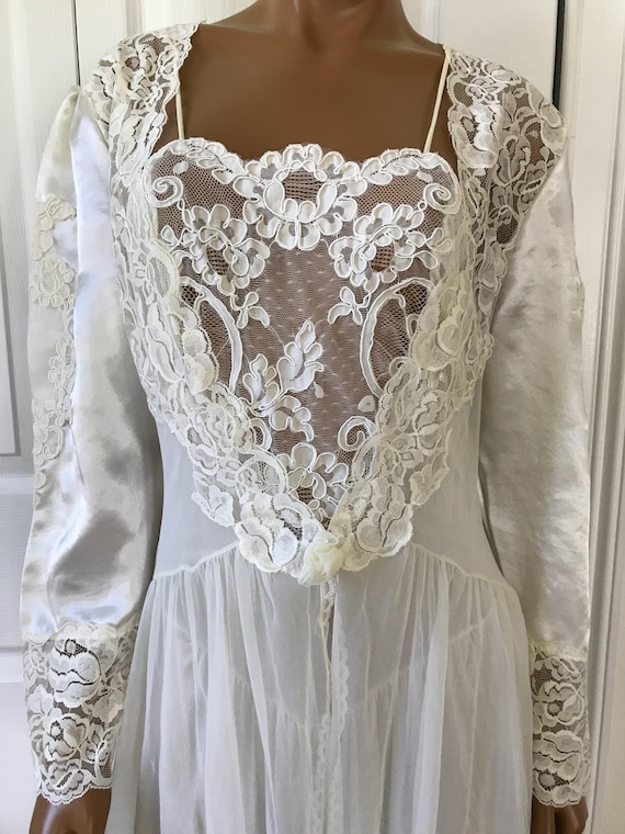 1960s Nightgown Set Peignoir Ivory Bridal Robe and