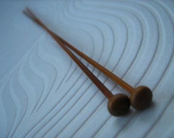 Agujas de bambú de 2mm. Solo acentuado, sostenible, fuerte, liso, largo aprox. 9,5 pulgadas / 25cm