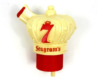 Vintage Seagram's 7 Bottle Pourer, Mid Century Barware Crown Shape Seagrams Liquor Pourer