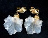 Vintage Monet Dangling Flower Clip-on Earrings - Lucite Gold Tone Metal Earrings