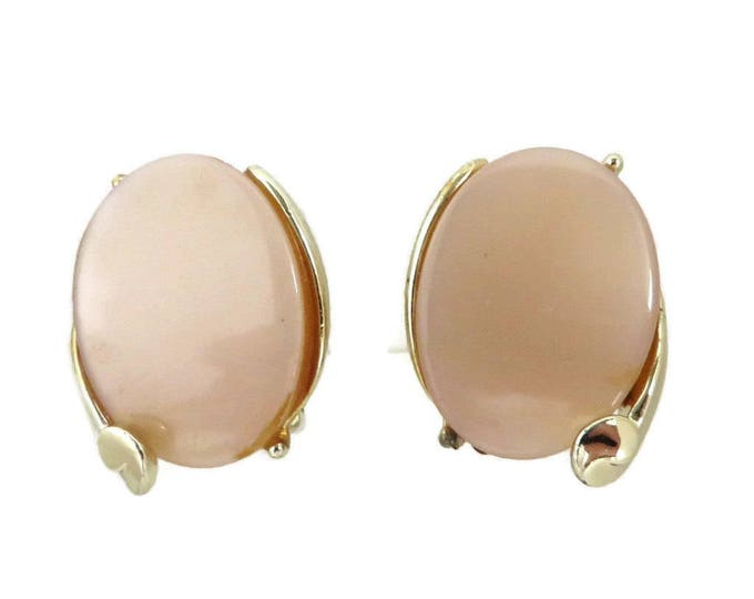 Vintage Thermoset Earrings - Beige Oval Gold Tone Clip On Earrings