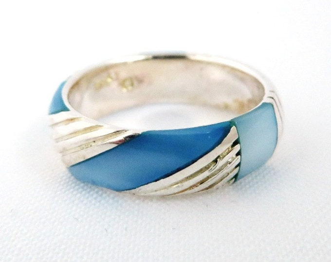 Sterling Silver Wedding Band, Blue MOP Ring, Mother of Pearl Vintage Ring, Size 5.75