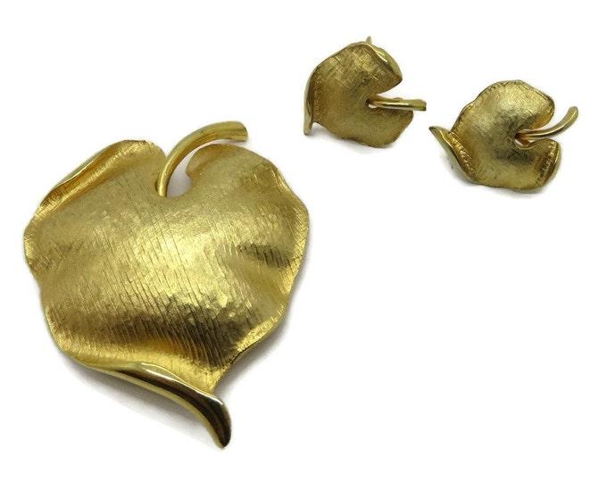 Vintage Leaf Brooch, Women's Jewelry, Vintage Earrings, Earrings Set, Demi Parure, Gift for Her, Gold Earrings, Gold Earrings Set