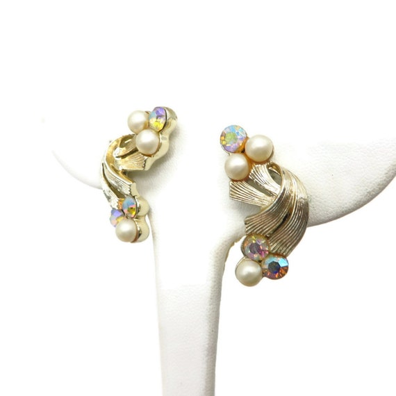 Coro Pearl and Rhinestone Earrings, Pale Gold Ton… - image 3