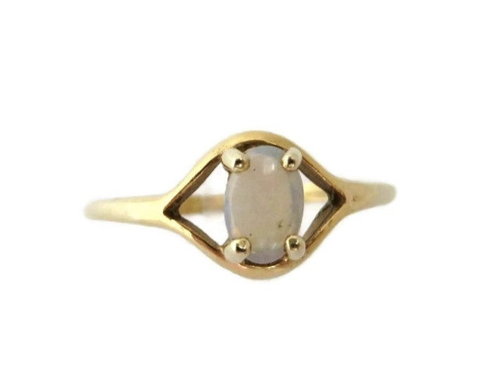 Opal Solitaire Ring, 10K Gold Oval Cabochon 0.25ctw, Vintage Australian Opal Ring, Size 7