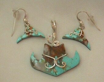 Green Turquoise Cowboy Hat Pendant and Earring Set/ silver wrapped/ Pilot Mountain