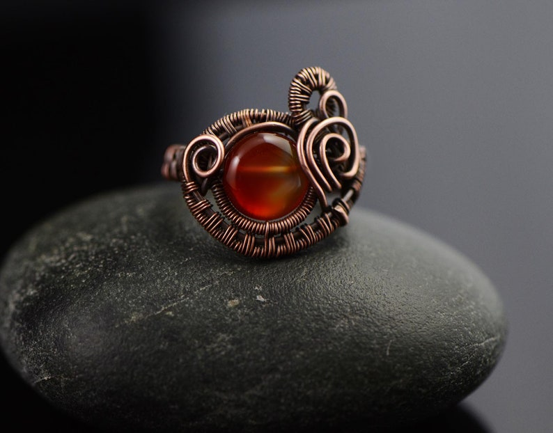 Agate ring handmade copper wire ring honey agate ring rabbit size 6.5 size N zodiac ring wire wrapped